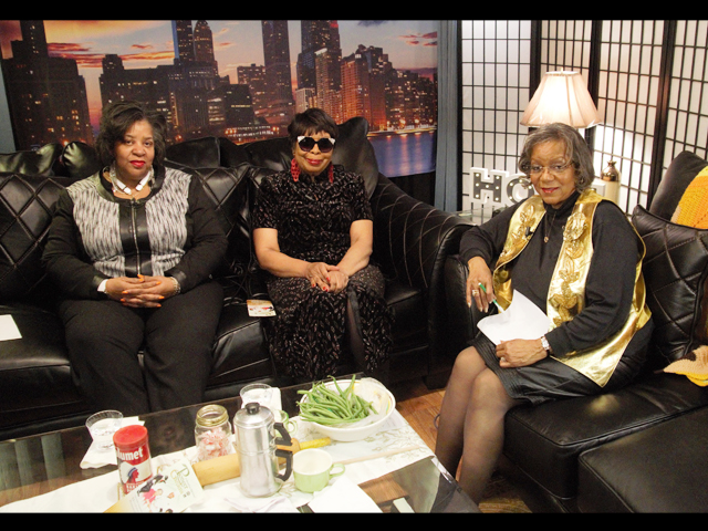 Report To The People with Geri Patterson. Guest: Deloris MeBain and Felicia Boyd-Harris of Pioneer Gardens.